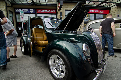A 1946 Morris Model 8. A different car for a different time.