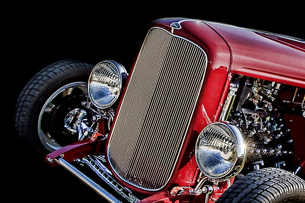 Flashes of Speed specializes in creating custom photographic fine art images of classic, custom and antique automobiles, offering professional, innovative photography to individual automotive enthusiasts and others in the automotive trade. We work with our clients to produce professional automotive imagery for the home, workplace, or showroom that features innovative design and visual impact.