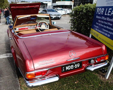 Mercedes Benz 280 SL - Cars & Coffee, Brisbane. Saturday 6 August 2016. Photos by Des Thureson - http://disci.smugmug.com