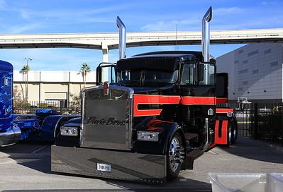 20171103_SEMA2017_Truck_Kenworth_6623