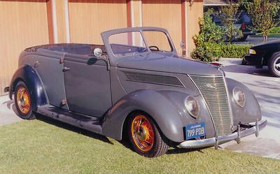 1937 Ford Phaeton