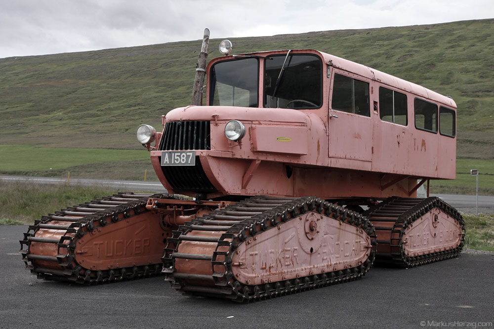 Tucker Sno-Cat 700 series @ Iceland 4Aug09