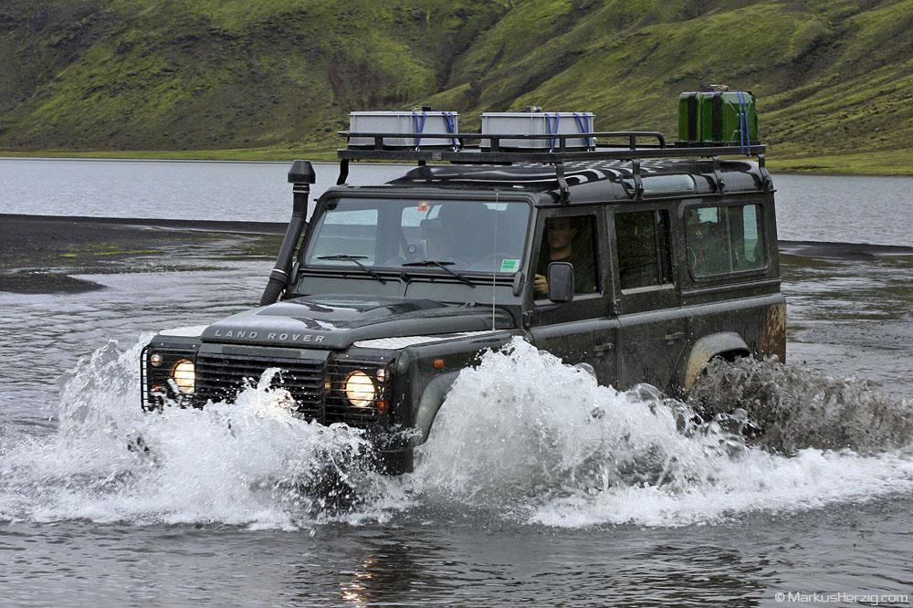 Land Rover Defender 110 @ Graenalon Iceland 30Jul10