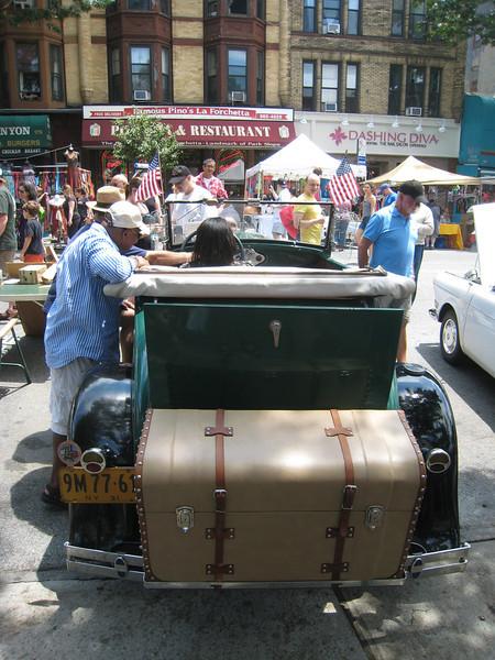 Green Ford, rear