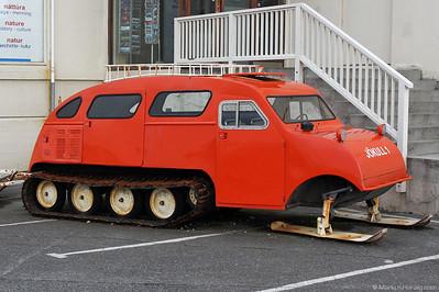 Jökull 1 Auto-Neige Pat.Bombardier 1937 @ Höfn Iceland 3Aug10