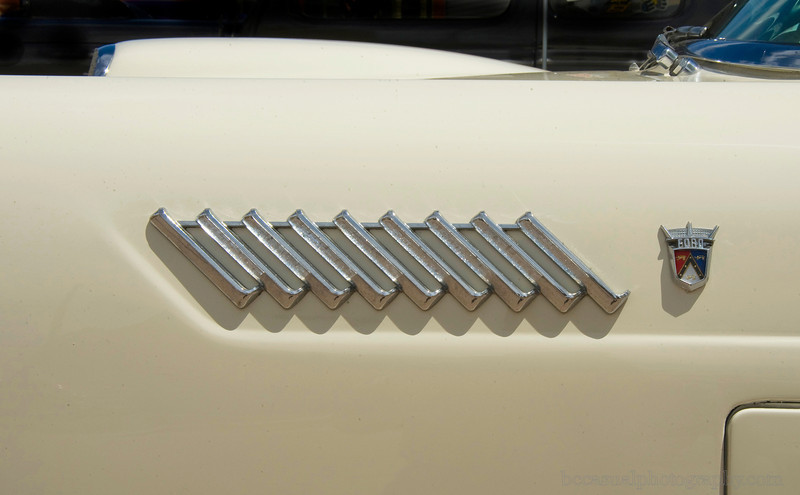1956 Thunderbird detail