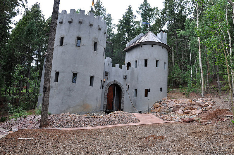 Near Woodland Park is the Herman Beeh Castle.