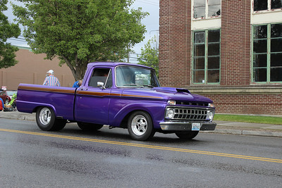 Had to take a picture of the Purple Ford. As purple is my favorite color.