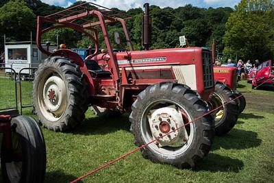 International 676 Tractor