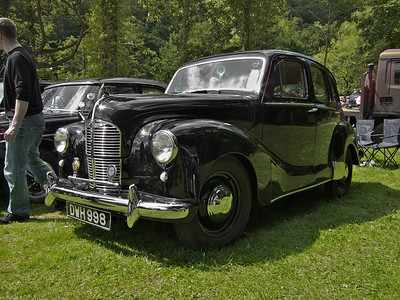 2011 – Classic cars at Bingley Show