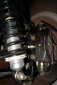 Wilwood Superlite front brake calipers.