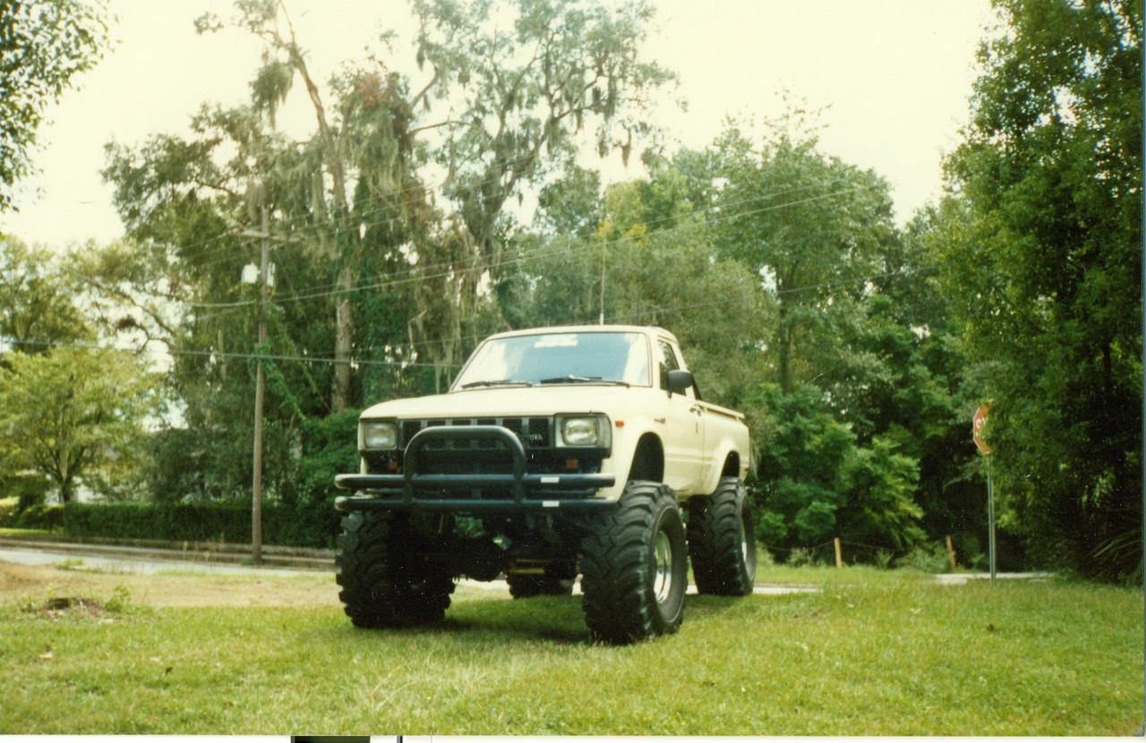 82 Toyota