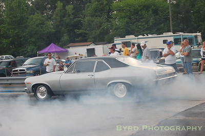 Mark Dempsey's Nova getting ready for a 7.0 qualifying pass.
