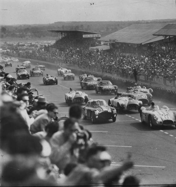 The start of the Le Mans 1953 race