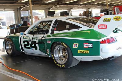 B-1 Pat & Kiel Hogan/John Longwell/Jim Valdez 76' Dekon Monza