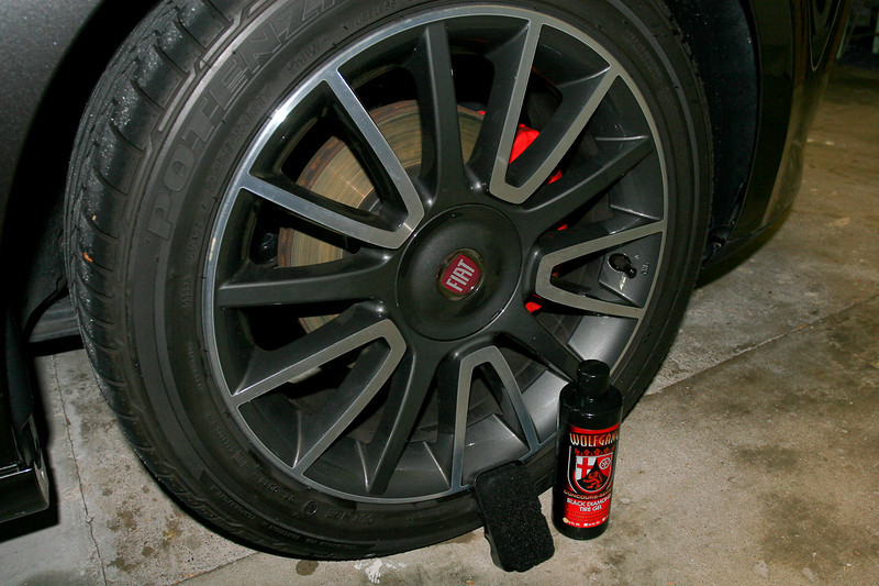 Ready to apply Wolfgang Black Diamond Tyre Gel - Fiat Ritmo detail 8-10-9