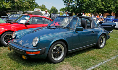 Jerry Broersma of Grand Rapids, a WMR PCA member, won the Best of the 1970s award for his 1979 Porsche 911SC.