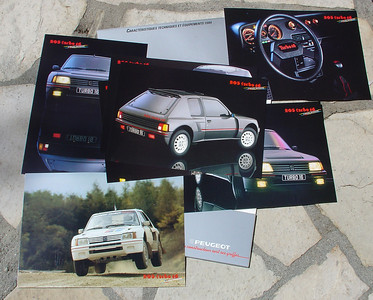 Official French brochure Peugeot 205 Turbo 16. Contains 5 - 6 photo pages with information on the reverse.