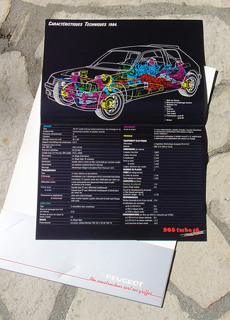 Official French Peugeot 205 Turbo 16 brochure, specification fold-out.