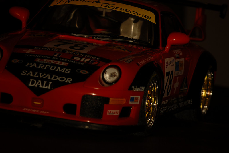 _D2C7496   Porsche 911 GT2  LeMans 2007<br /> Pilote: Guillaume Demers<br /> Light Painting avec Maglite  small (2 piles AA)