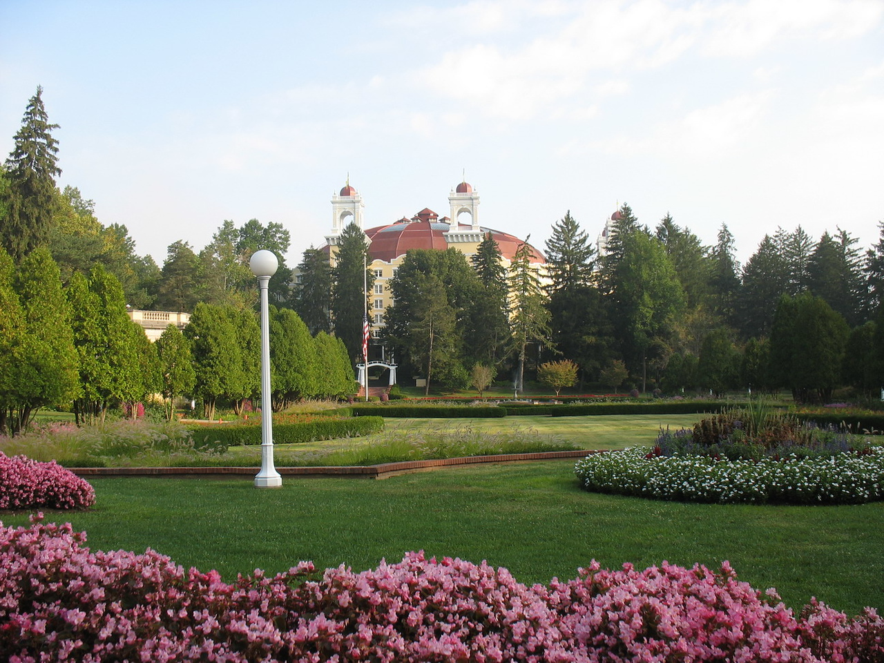 The lovely grounds around this spectacular hotel made it an ideal location for this event.