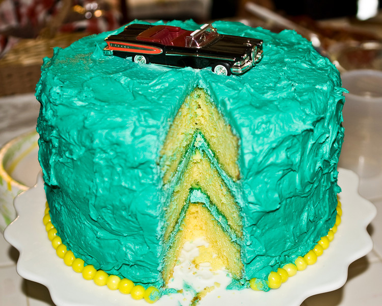As promised, a lemon cake with an Edsel on top.