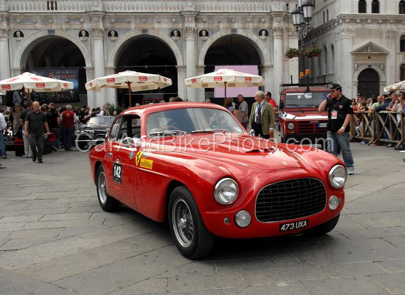Ferrari_8844
