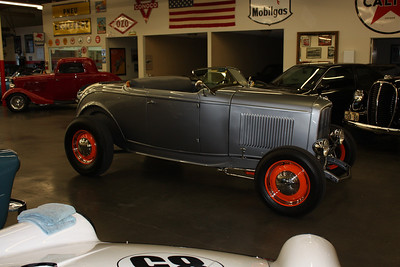 1932 Ford Roadster high boy hot rod for sale.
