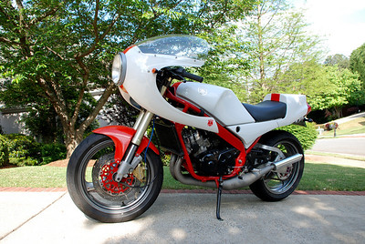 Mark's RZ350 Yamaha with Suzuki RGV front forks and rear swingarm