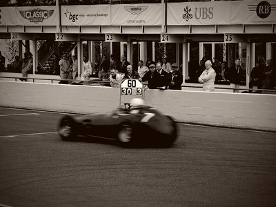Goodwood Revival Sept 2013 040 B & W General Lee