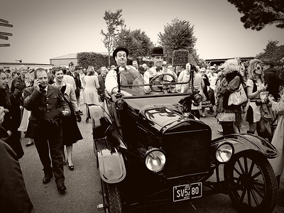Goodwood Revival Sept 2013 020 B & W General Lee