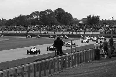 Nice weather, nice classic cars in and around the circuit and nice people, the Goodwood Revival 2010 at its best!
