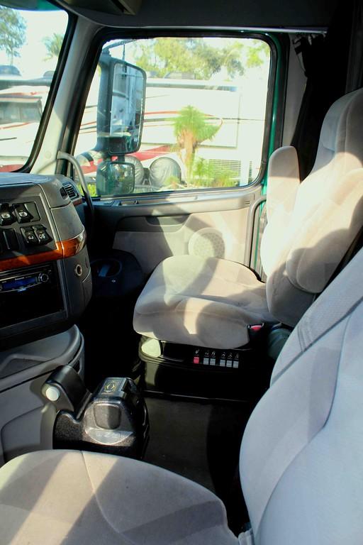 Seats-XL.jpg