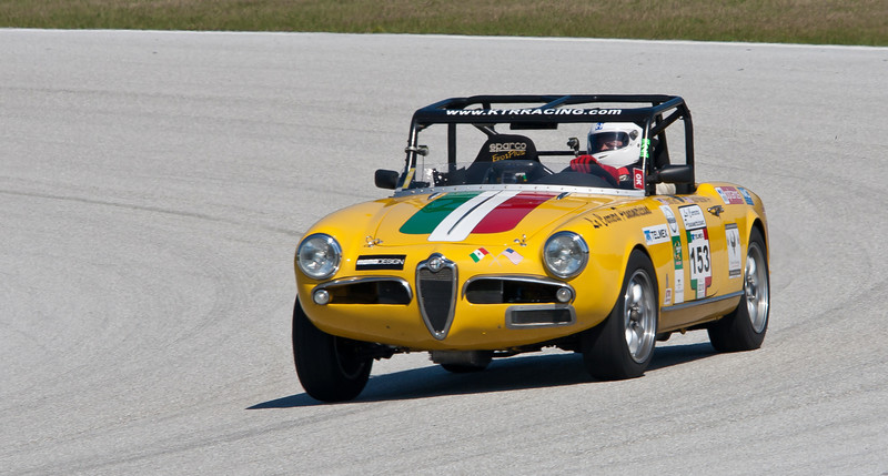 Alfa Romeo Giulietta leaning