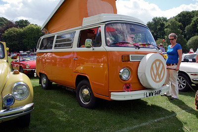 1975 'bay window' VW camper