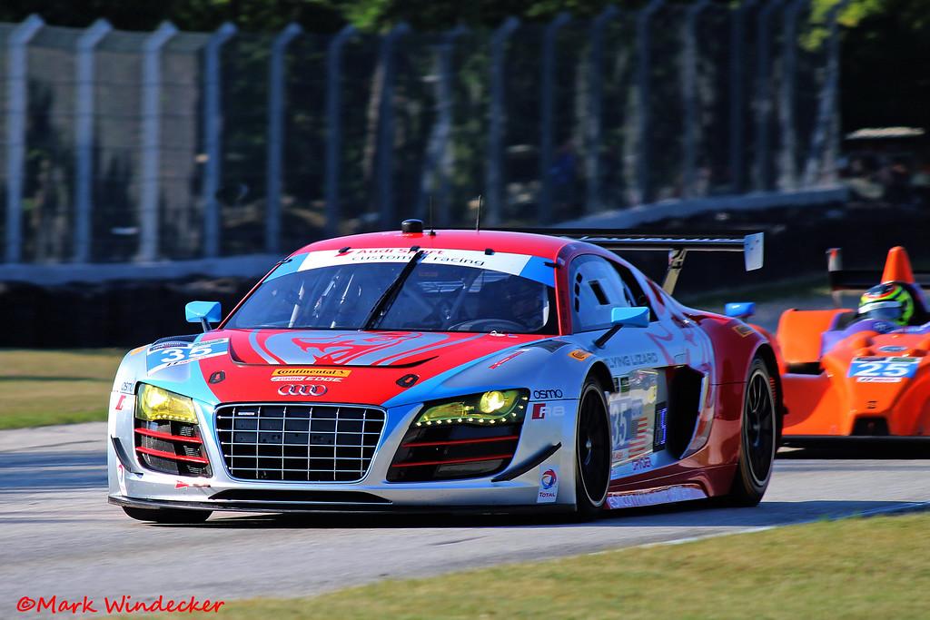 ....Audi R8 LMS