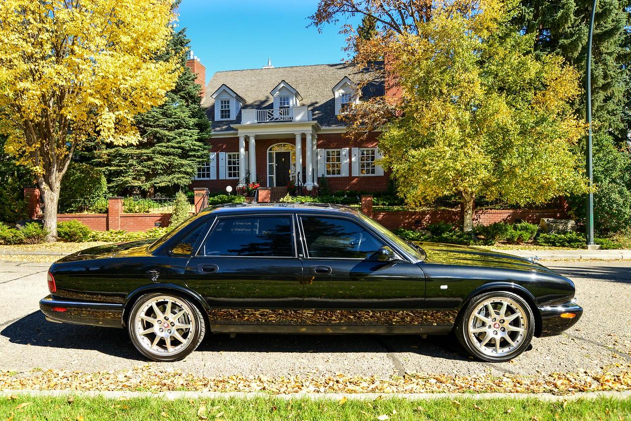 Jaguar XJR100