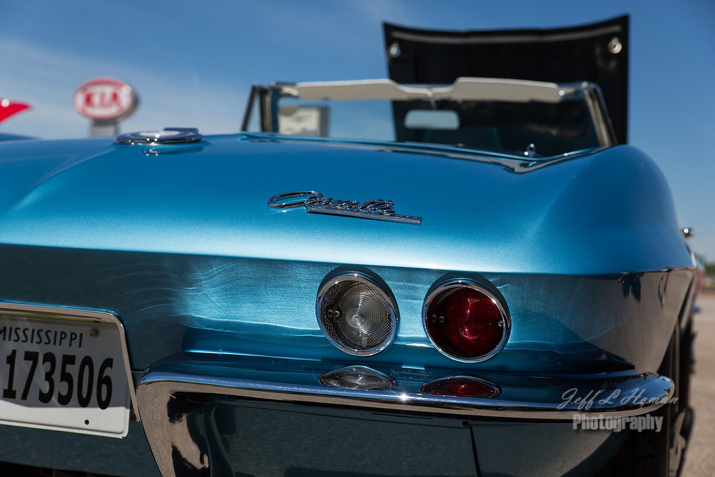 IMAGE: http://www.jefflhoman.com/Cars/Johnson-Dodge-Car-Show/i-X8V5t4F/2/XL/0K7B0231-XL.jpg