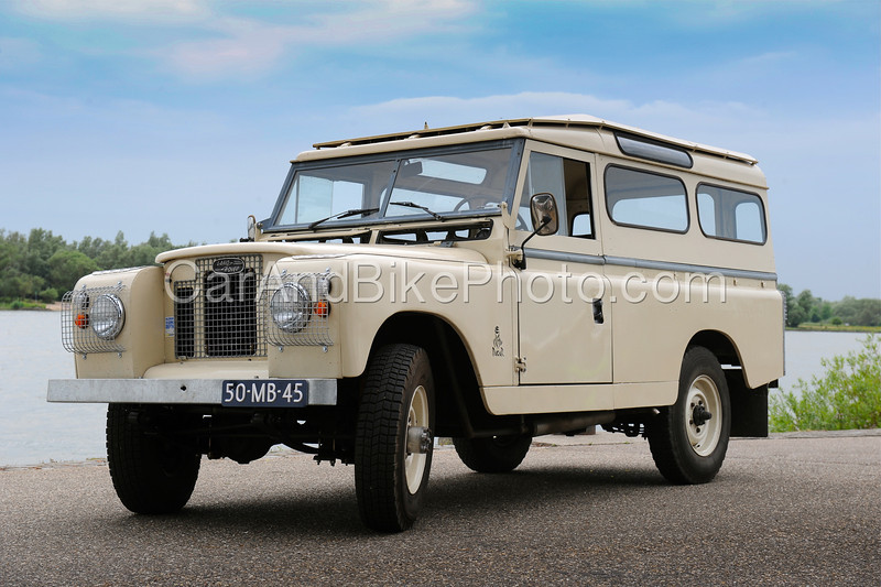 Land Rover_2081