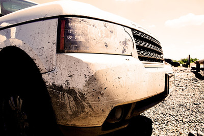 2011 fuji white range rover after an off-roading trip at rausch creek