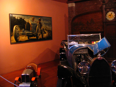 Bugatti Type 30 with print in the background