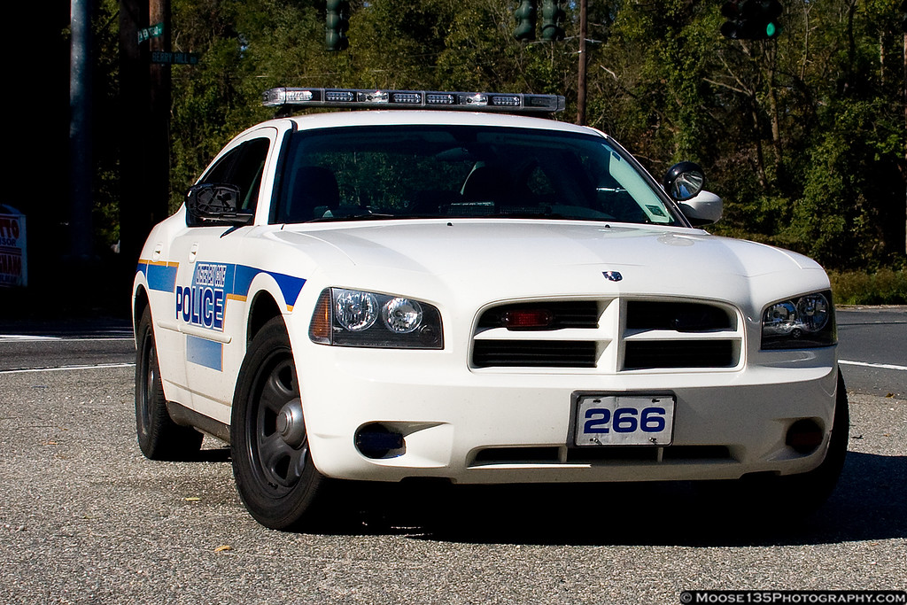 http://www.moose135photography.com/Cars/Law-n-Order/i-gbjvc3m/0/XL/JM20091019OBCCharger001-XL.jpg