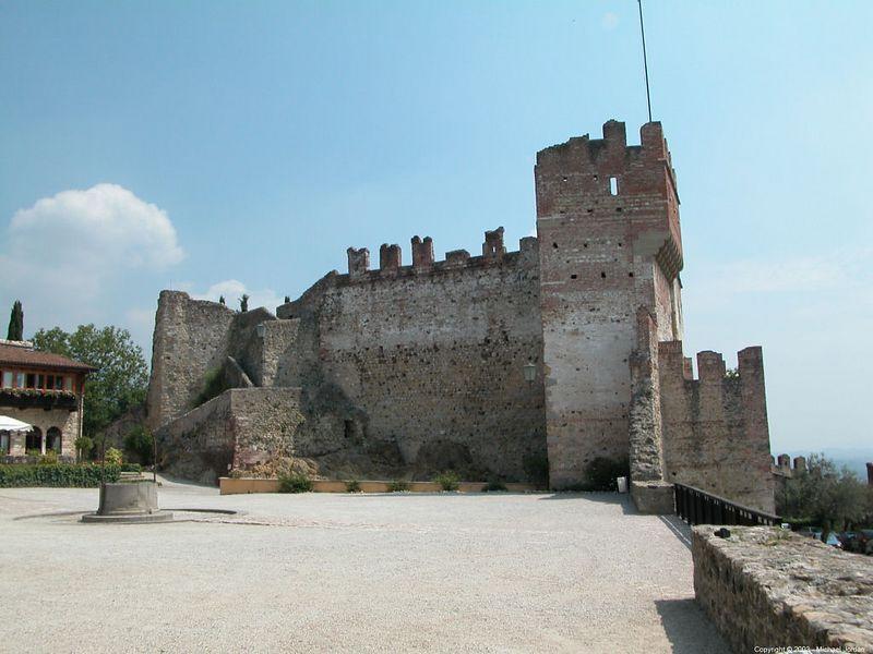 Upper castle courtyard
