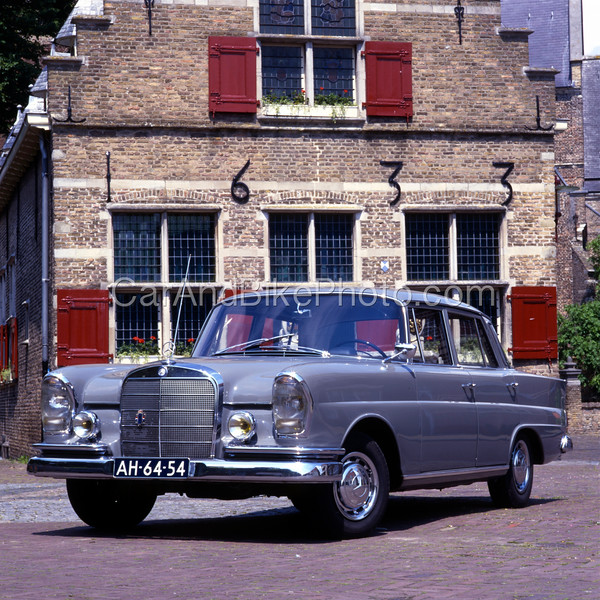 Mercedes Benz 220 430