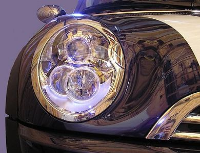 Back in the garage. Here's a tour of the xenon headlamps, changed slightly for 2005.