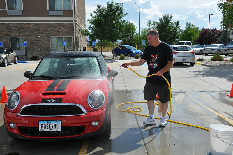 Do-it-yourself car wash for MTTS, sponsored by Denver-area based MINI Cooper club MINI5280. Grand Junction.