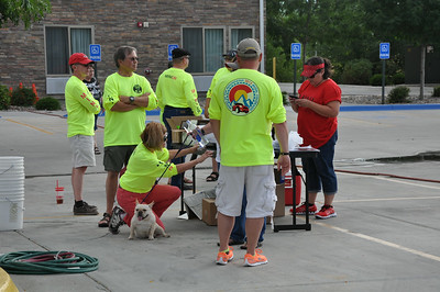 Colorado's own MINI5280 club volunteers getting the do-it-yourself carwash read for MTTS participants in Grand Junction.