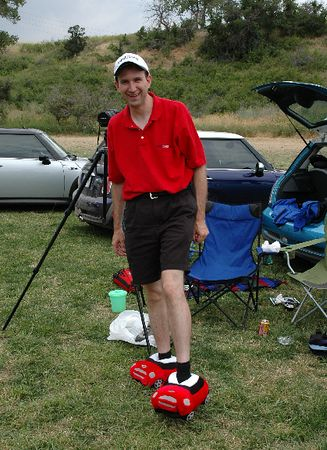 Kendall won the MINI Cooper slippers in Chili Red (size XL). Perfect for stomping the divots!