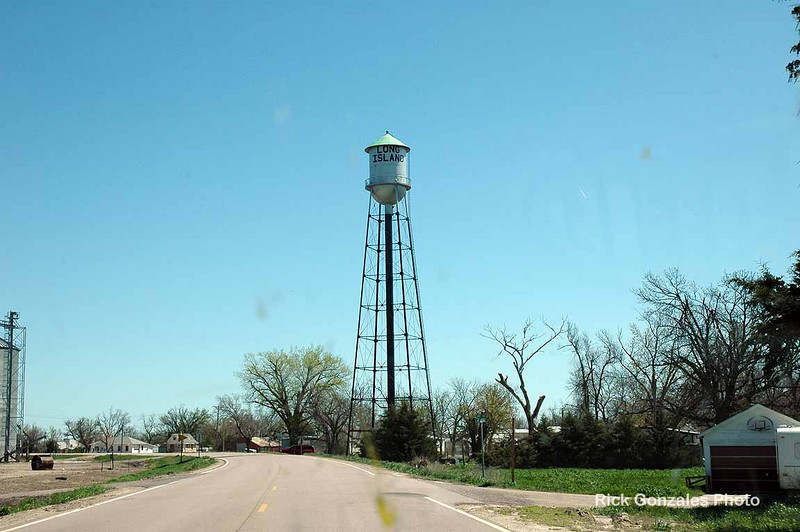 Now in Long Island, Kansas. Front the road, no water is to found, except up in the tower. I wonder how this place got its name.