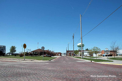 Axtell, Nebraska. Oops. I forgot to take a picture in Funk, Nebraska. I kind of like that name for a small town. If it had become a big city, would they have renamed it?